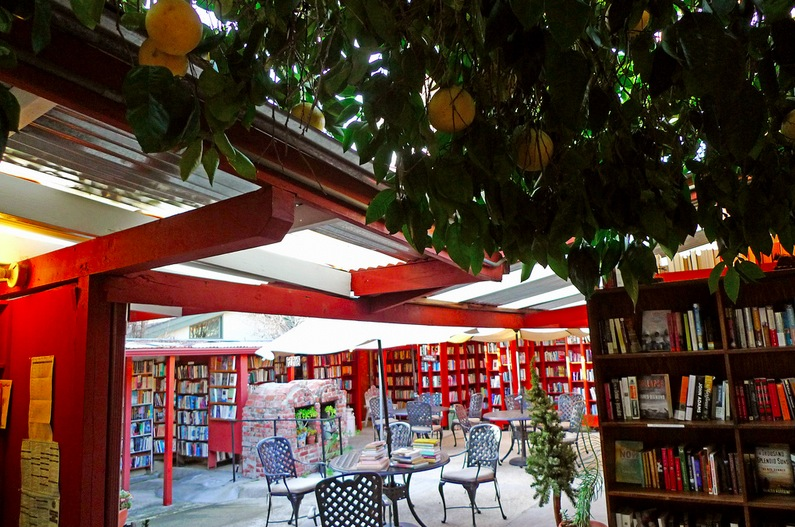 Bart's Books, Ojai, Kaliforniya 3