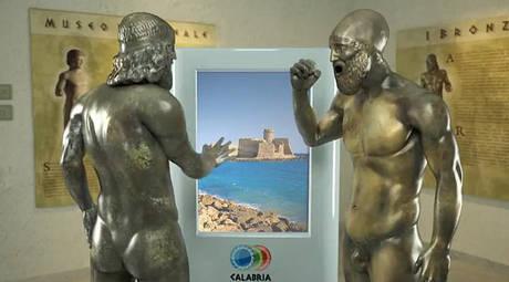 Un'immagine dei Bronzi di Riace  contenuta nello spot ideato dalla Regione Calabria per promuovere il turismo. YOUTUBE/ANSA
