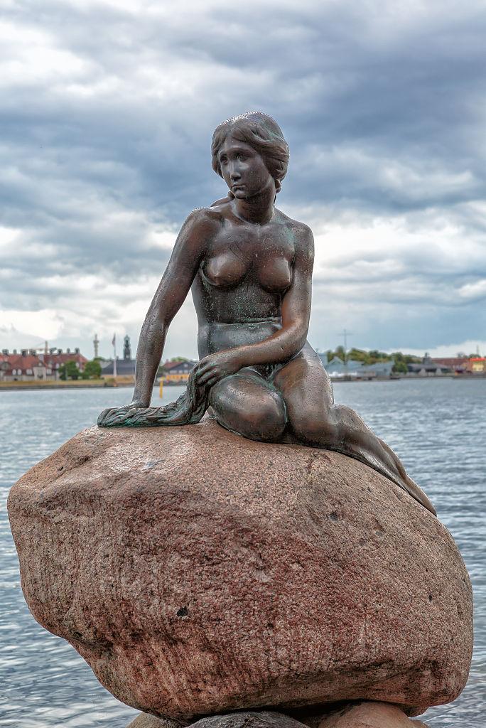 Kopenhag'daki Küçük Denizkızı – sadece 1.25 metre boyunda