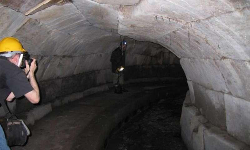 Cloaca Maxima, kanalizasyon tüneli