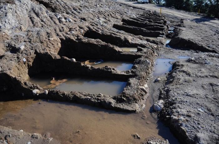 bonrumda mezarları su bastı