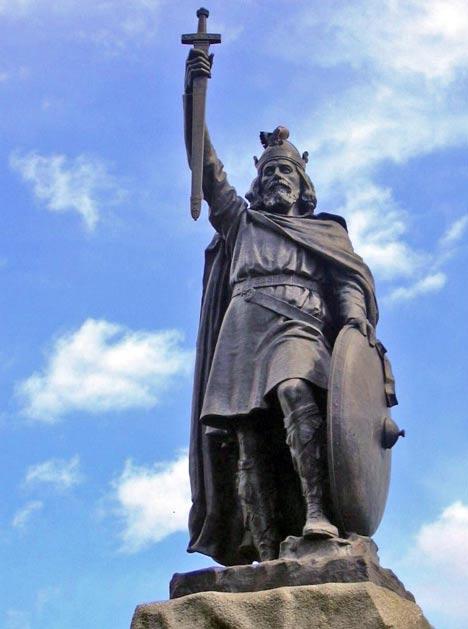 Büyük Alfred'in Winchester'deki heykeli; Ünlü İngiliz krallarından biri olarak kabul edilir.