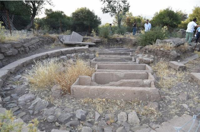 aigai nekropol alanı