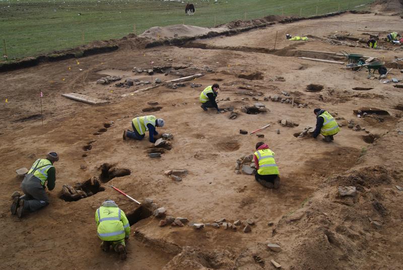 Dunragit'de şimdiye dek bilinmeyen bir Demir Cağı köyünün GUARD Archeology tarafından yapılan kazıları © GUARD