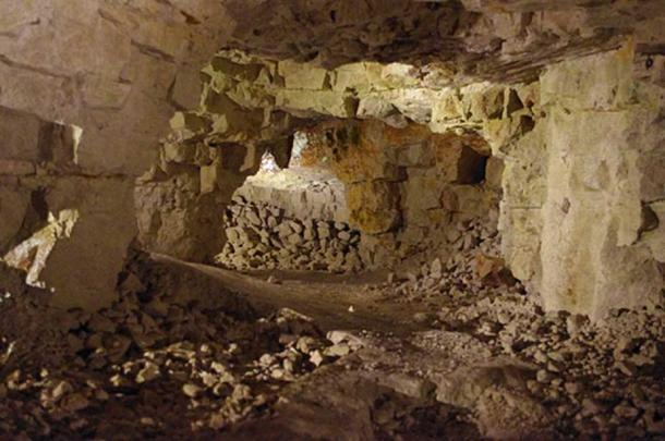 Geyik Boynuzu ile Açılan Neolitik Çakmaktaşı Kraterleri