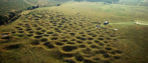 Grime Mezarları'nın havadan görünümü. Fotoğraf kaynağı: English Heritage