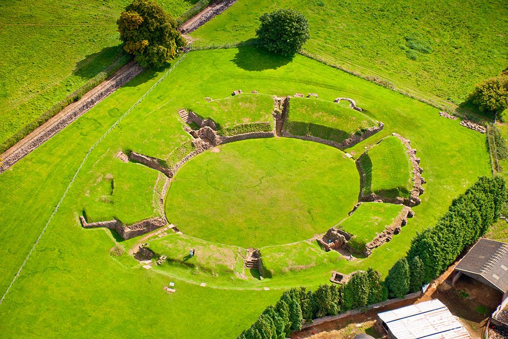 İngiltere'nin 10 Roma Amfitiyatrosu