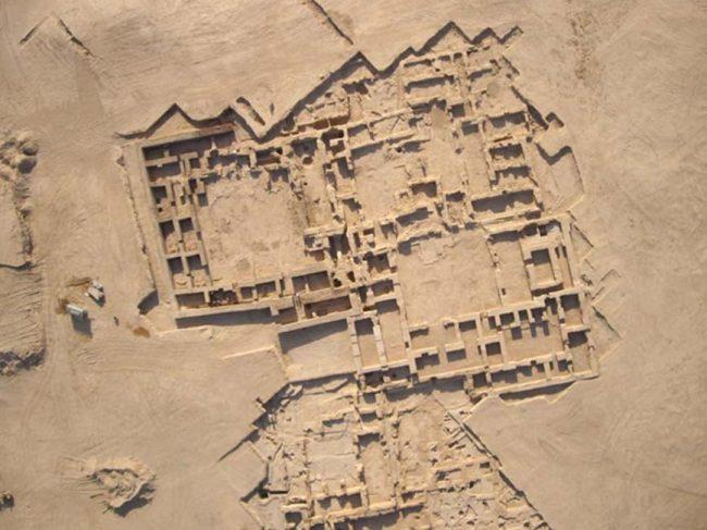 Dikilitaşın üst parçasının bulunduğu Suriye'deki Tell Sheikh Hamad.(Eastern Atlas maden araştırma şirketi)