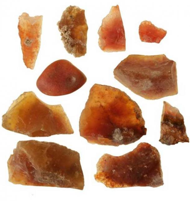 3500 yaşındaki dükkânda bulunan carnelian taşlarından birkaçı